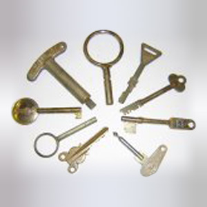 Miscellaneous Odd Shaped Antique Keys